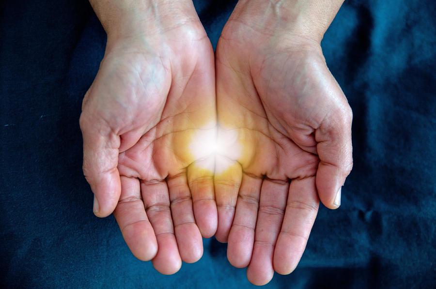 1-healing-hands-two-danielle-del-prado