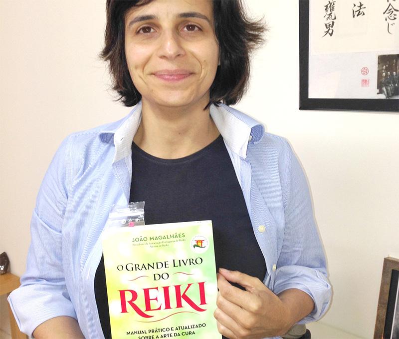 O Grande Livro do Reiki é manual de referência na Associação Partilha do Ser