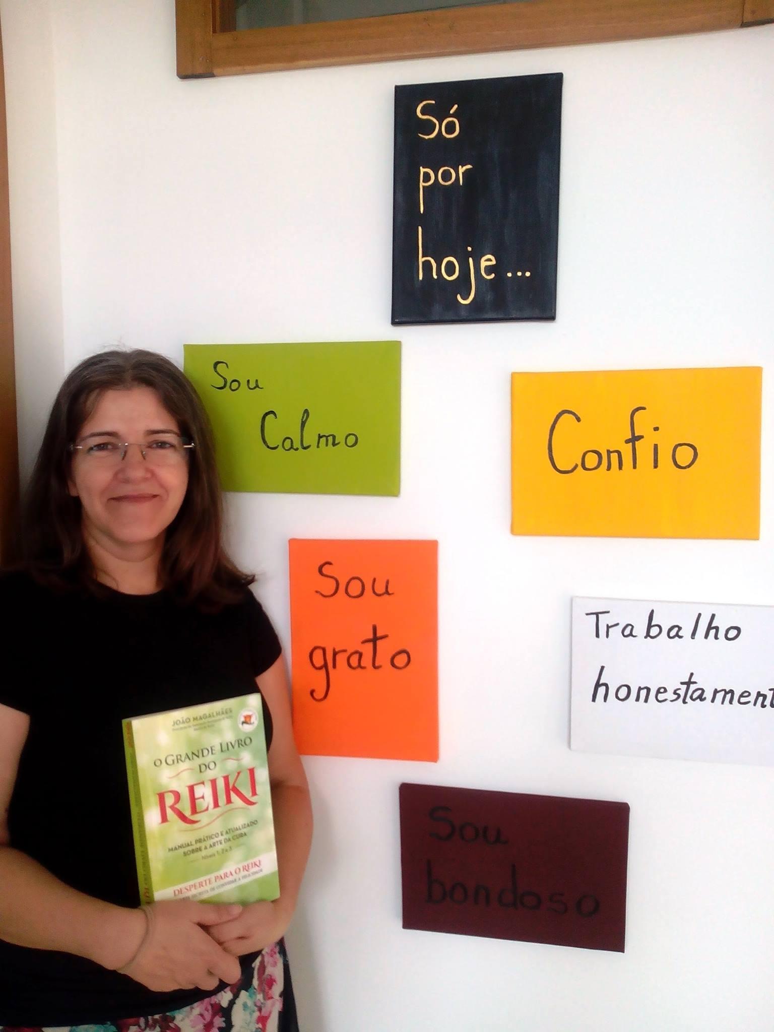 O Grande Livro do Reiki é manual de apoio na Associação Calma e Harmonia