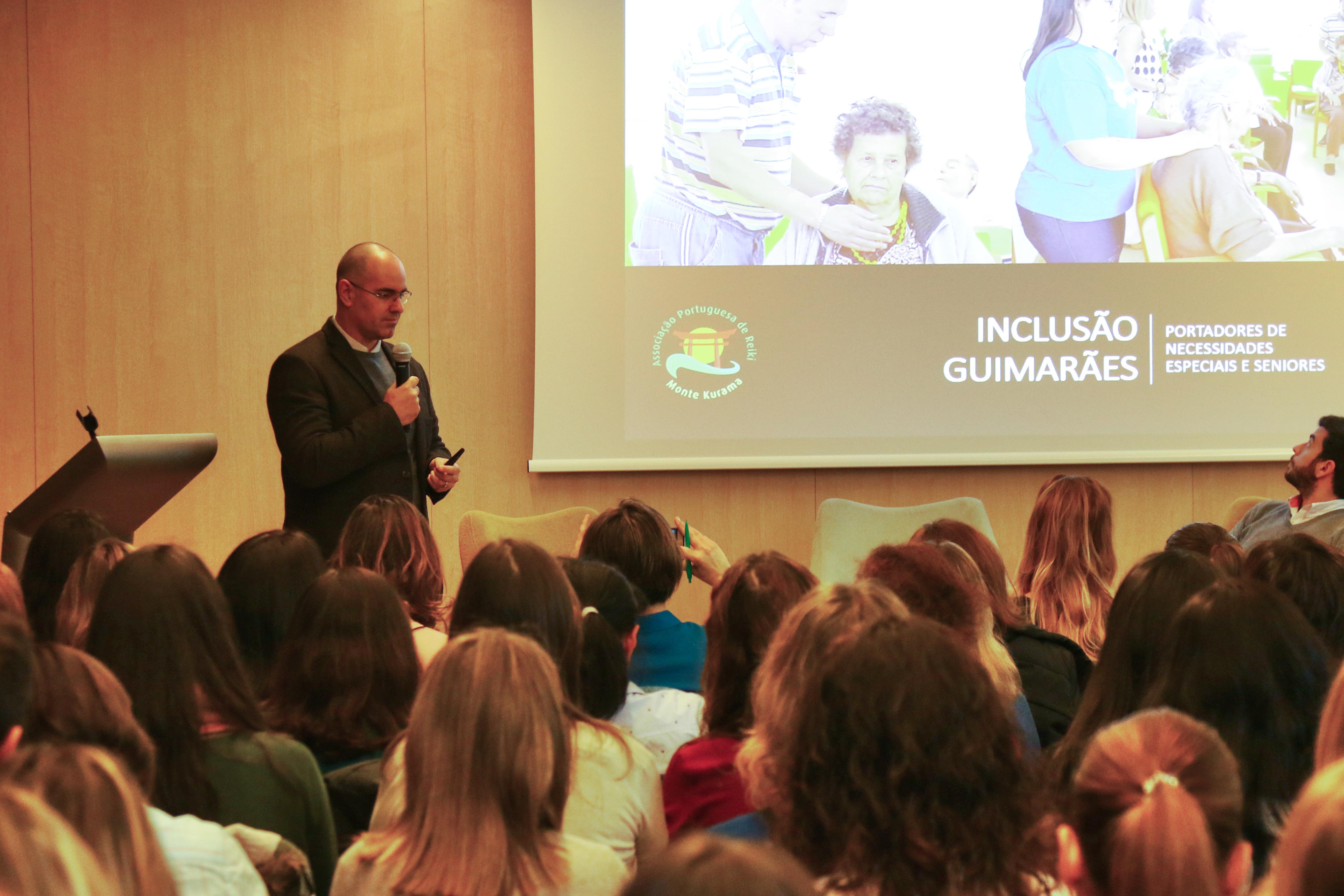 Reiki no seminário A Importância do Eu na Intervenção Social