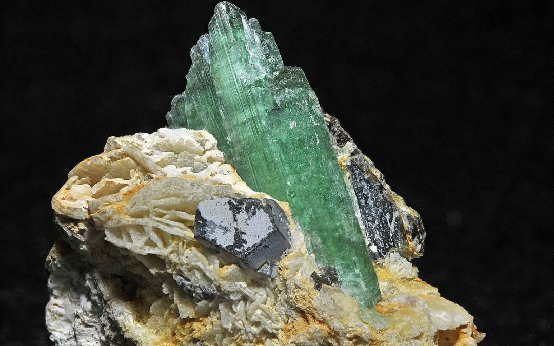 Hidenite – um apaixonante cristal de Moçambique