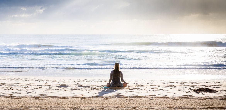 Sentir o corpo a balançar ou rodopiar em meditação